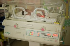 「出生缺陷」9個月嬰兒患罕見病,對細菌沒有任抵抗力。
